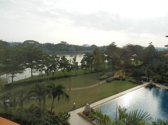 The Imperial River House Resort: vue