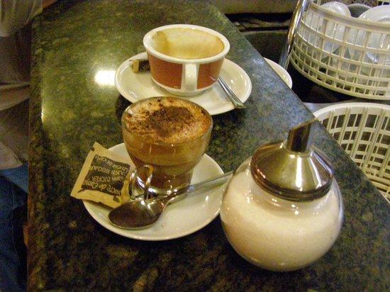 La Casa del Caffe Tazza d Oro: La presentación