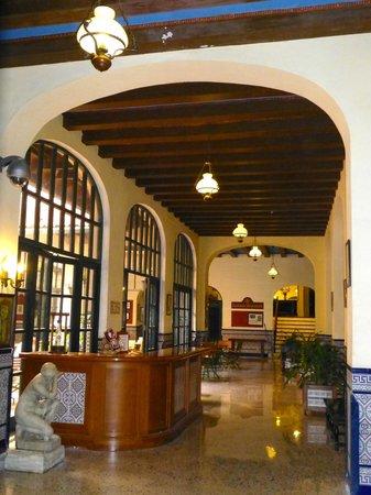 Hotel Mercure Sevilla Havane: Hall