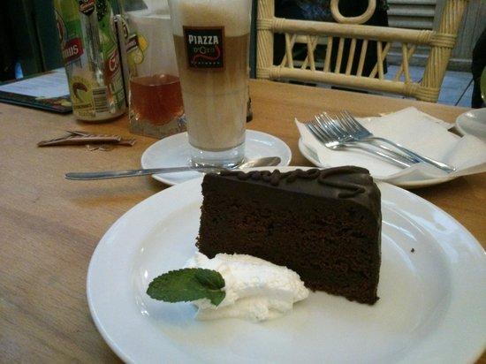 Staromestska Restaurant : Dessert du jour tout frais sorti du four