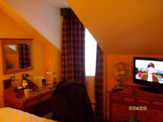 Royal Highland Hotel : nice cozy room