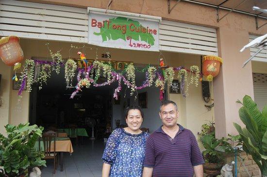 i due proprietari del Bai tong sono gentilissimi