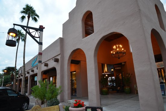 Old Town Scottsdale: Cute building-style