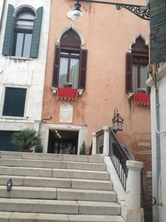 Palazzo Paruta: front of hotel