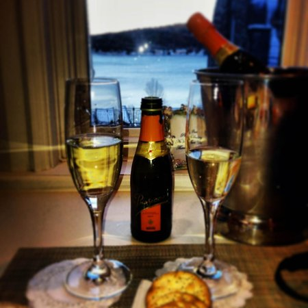 The Inn at Erlowest : Sparkling wine