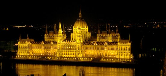 parlamento visto dal bastione dei pescatori