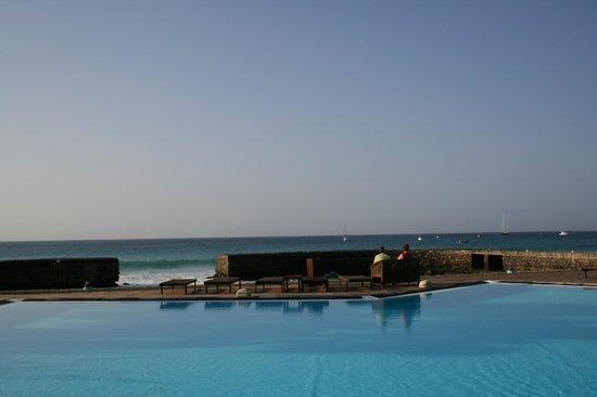 Porto Antigo Residence : Poolområdet och havet!