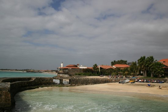 Porto Antigo Residence : Hotellets strand och Santa Maria i bakgrunden!
