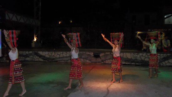 The Legend Palawan : Cultural show during dinner