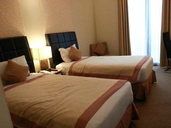 Golden Flower: nice bed but.....