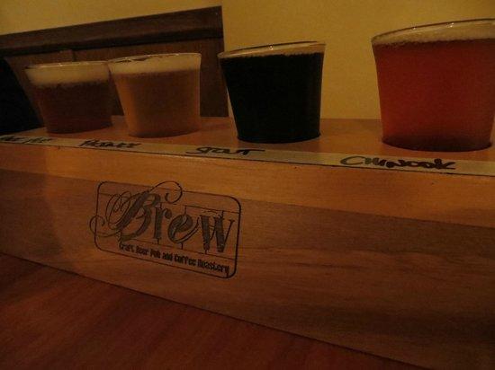 BREW / Craft Beer Pub: Beer flight