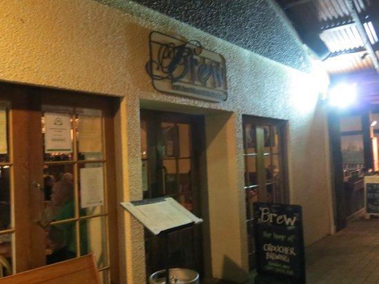 BREW / Craft Beer Pub: Entrance