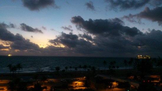 Bahia Mar Fort Lauderdale Beach - a Doubletree by Hilton Hotel : View from room # 601