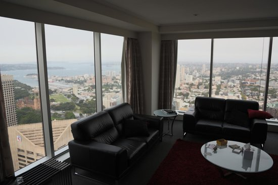 Meriton Serviced Apartments World Tower : View from 3 bedroom penthouse