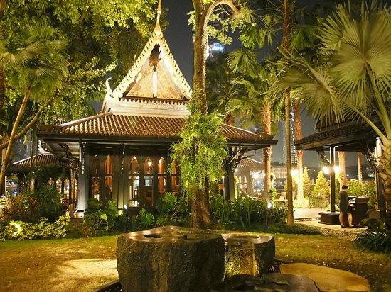 Shangri-La Hotel,Bangkok : Salathip