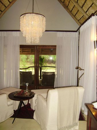 Dulini Lodge: Living Room