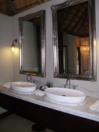 Dulini Lodge : Bathroom