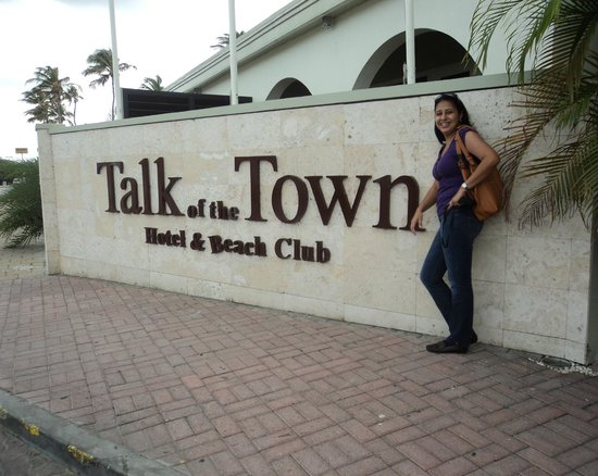 Talk of the Town Hotel & Beach Club: Fachada