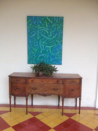 La Perla Hotel: beautiful art and antique furniture ensamblage