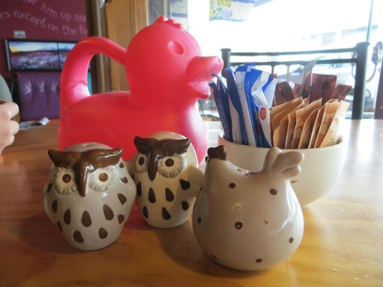 Fat Dog Cafe & Bar : Instead of a number, we got a duck!