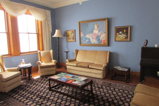 Braeside Bed & Breakfast: Living room