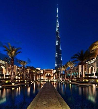 Palace Downtown: Вход в отель!