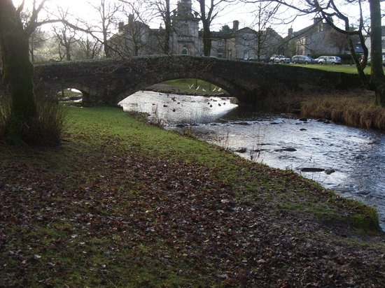 The Old Hall Inn: Linton Old Foot Bridge
