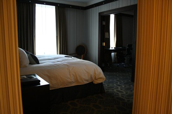 Sofitel Philadelphia Hotel: suite