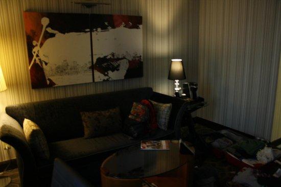 Sofitel Philadelphia Hotel: sofa