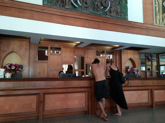 Amata Resort : Check in counter