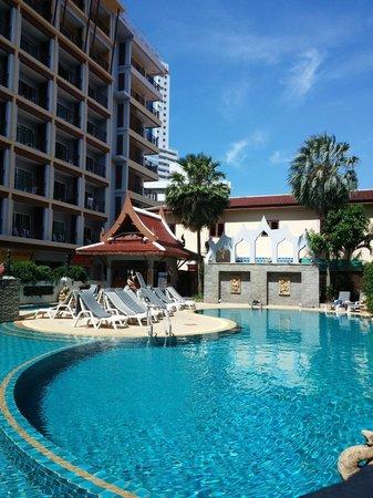 Amata Resort : Ground floor pool