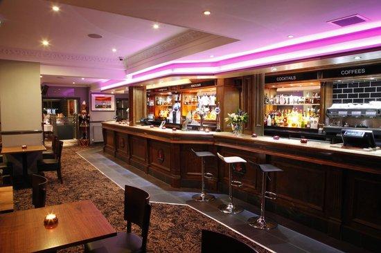 Spice Lounge Kitchen: The bar