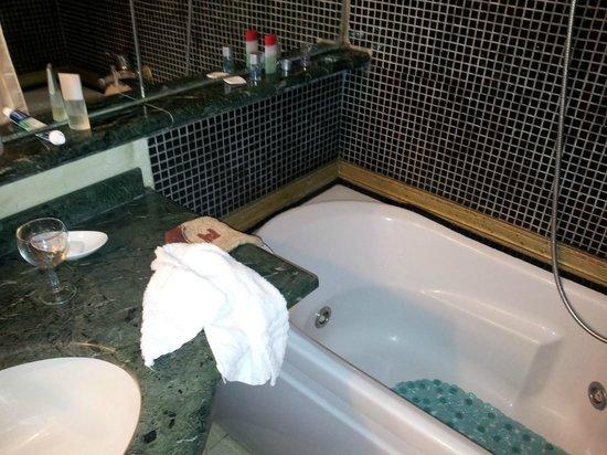 Tolentino Suites : salle de bains
