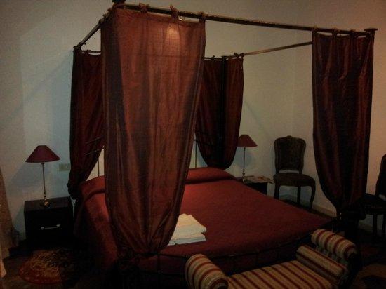 Tolentino Suites : chambre