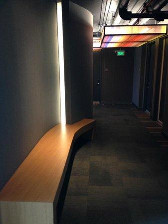 Aloft San Jose Hotel: Hallway
