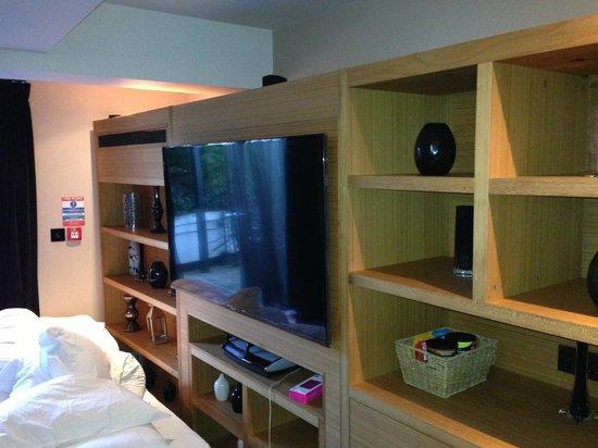 Malmaison Reading: Mallard Lounge TV & Bose
