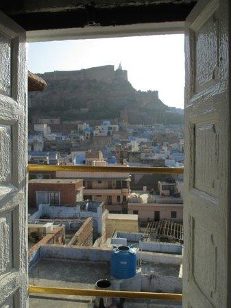 Castle View Home Stay: vue superbe de la chambre Maharani