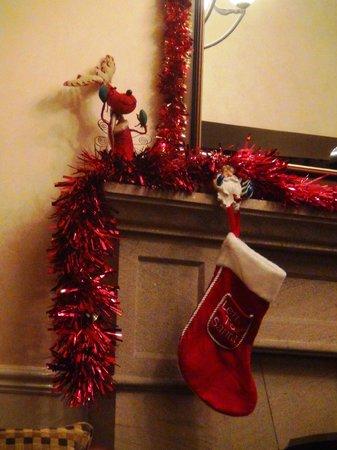 Ben Nevis Hotel & Leisure Club : Рождественские декорации в холле