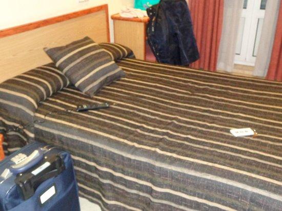 Hotel Mediodia: Cama