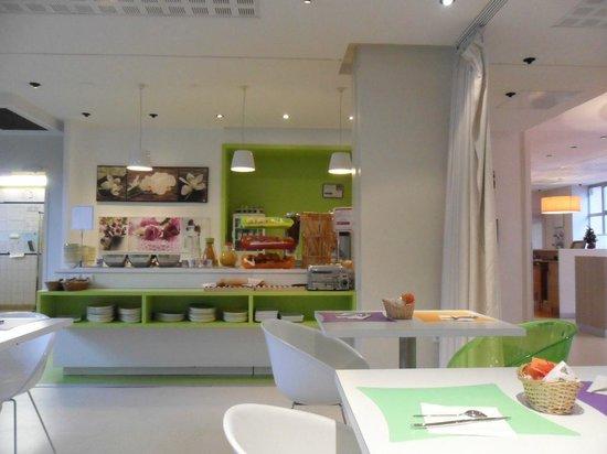 Ibis Styles Lille Centre Gare Beffroi : Buffet du petit déjeuner