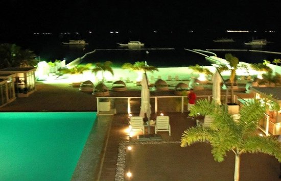 Be Resorts - Mactan: Just in the middle..