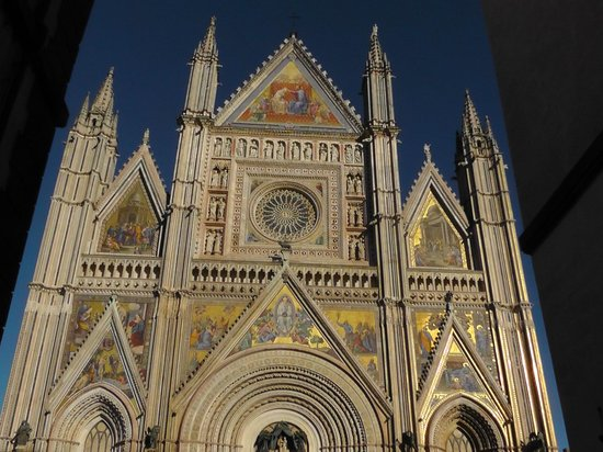 "Hotel Duomo: The Cathedral known as ""The Duomo"""