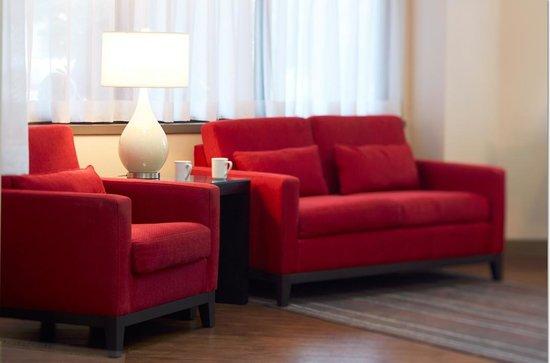 Comfort Inn - Amherst: New Modern Lobby