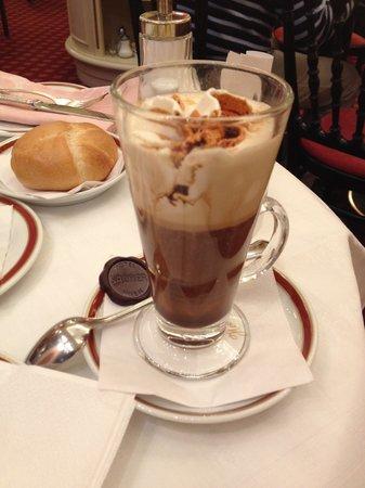 Cafe Sacher : Кофе Мария-Терезия