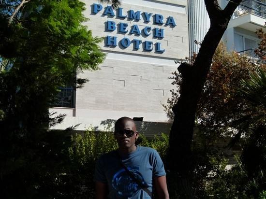 Palmyra Beach Hotel: hotel front