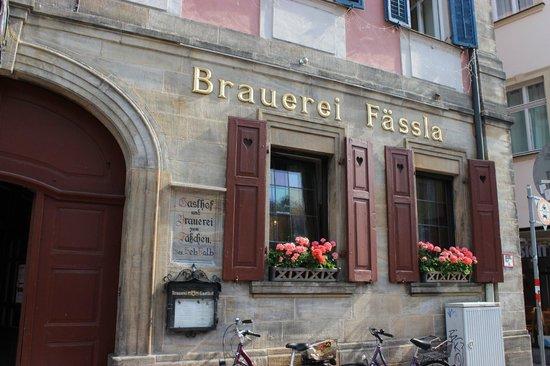 Fassla Brewery: Eingangsbereich von der Oberen Königstraße aus gesehen