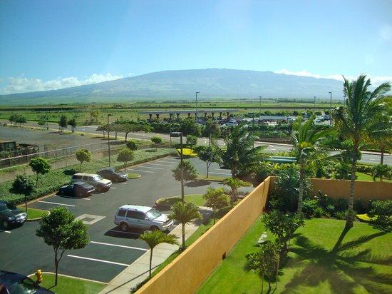 Courtyard Maui Kahului Airport : Haleakala from the room