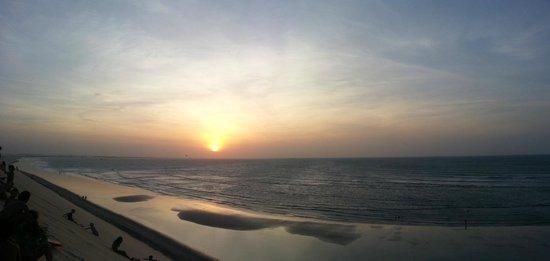 Duna do Por do Sol : uno dei tramonti più belli al mondo, visto da una duna sul mare altra 30 metri...che spettacolo!