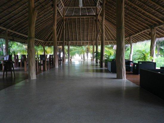 Mangrove Beach Cabanas & Chalets : restaurant area