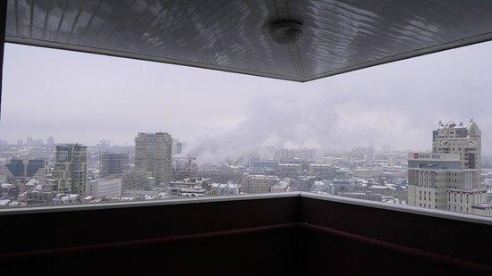 Express: Вид с балкона ресторана, где завтракают